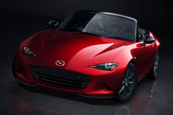 マツダ、4代目となる新型ロードスターを世界初公開。2015年から世界で投入へ bit.ly/1nYOMFn #Mazda #Roadster #MX5 #MazdaMX5 pic.twitter.com/nYR3ljwGV0