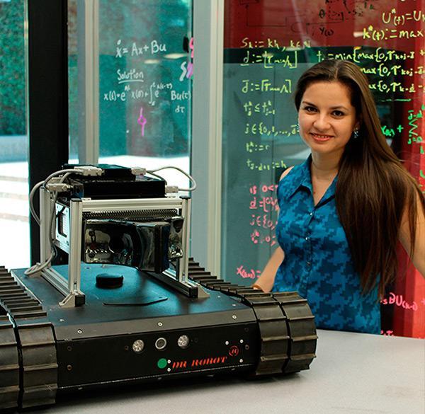 鼻ロボット(nariz robótica)。モンテレイ工科大学の学生によって開発された周囲の臭いを嗅ぎ分けられるロボット。災害現場で有毒なガスなどの存在を検出できる他にインプラントへの応用も期待される。