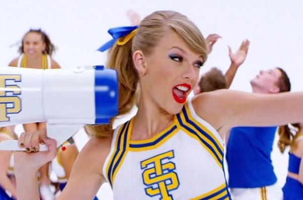 VIDEO: @taylorswift13's single #ShakeItOff is fast becoming one of the biggest hits in decades http://t.co/aPV9CvBYUm http://t.co/8l3wrIcTqR