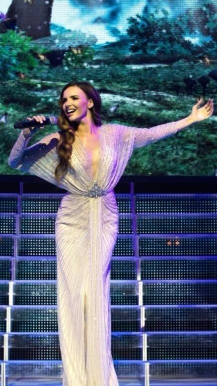 "Nadine Coyle > ""Lord of the Dance - Dangerous Games Tour"" - Página 2 Bwt-2lkIcAAmFaU"