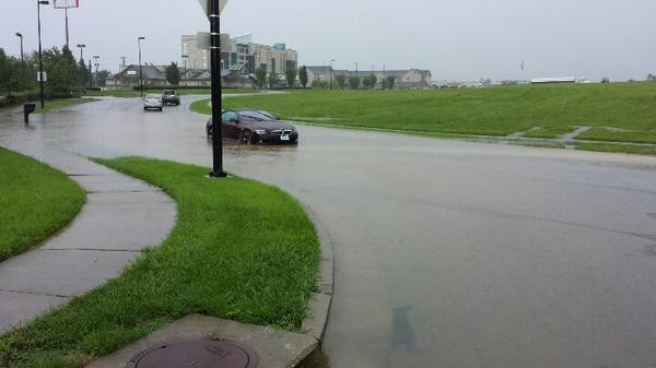 Flash flooding Hamburg area in Lex. http://t.co/0As5XsW5qH