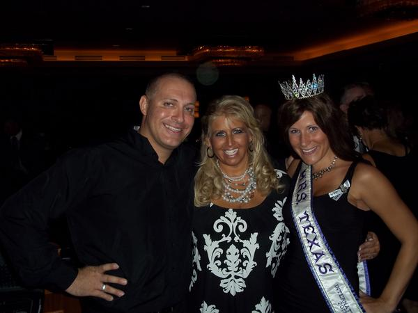 @CasinoElite party with Mrs. Texas! For the finest in casino entertainment, choose #Texas' own #elitecasinoevents! http://t.co/cqvr7VCfyz
