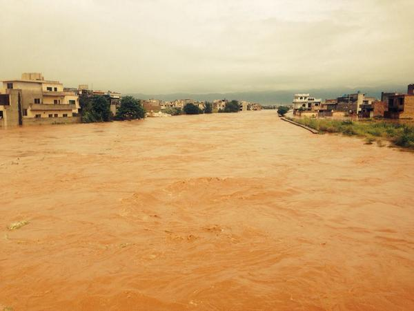 """@Maha_Mussadaq: Early Morning update: Picture of Ghuri Town in #Islamabad #floods #rain http://t.co/ytzg44quu3"""