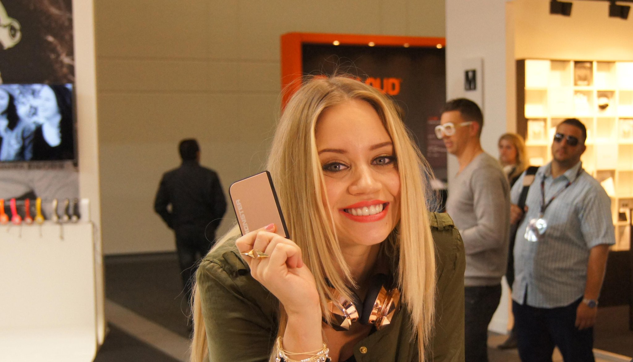RT @Monster_EU: The lovely @KimberlyKWyatt dropped by the #MonsterIFA booth to grab some power and say hello #IFA #IFA2014 #IFABerlin http:…