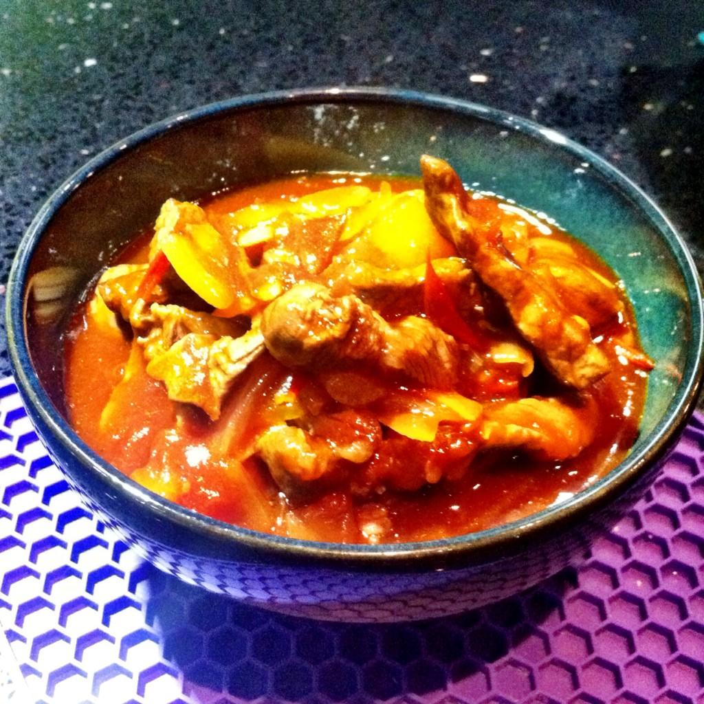 RT @LifeAt139a: Fancy a Chinese takeaway? Try this beef in easy tomato sauce by @therealgokwan is easy & tasty http://t.co/qm0bKq1BlC http:…
