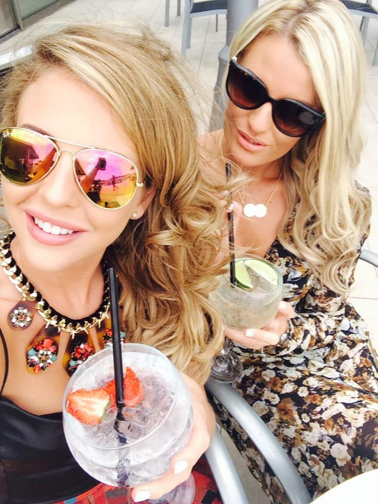 Cocktails in the sunshine. Let the holiday begin @Daniarmstrong88 #IBIZA http://t.co/C4Ih7zK5r0