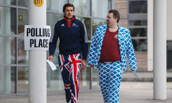 Best argument against independence: that suit. Best argument against staying in the UK: those pants. (via @guardian) http://t.co/irhyt3GYEc