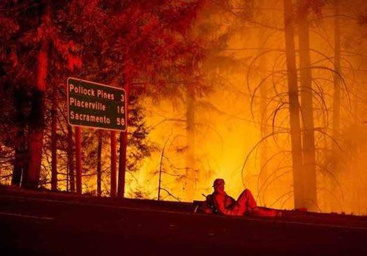 Please pray for our lives, forest, homes,anddear firefighters putting selves in harms way for us all! #GodsPrayerRoom http://t.co/NdgX9ejhnw