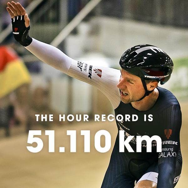It's official. @thejensie sets 1st benchmark under the new revised Hour Record. Full report: http://t.co/UVPQUXdOeS http://t.co/GzTqOejAG3