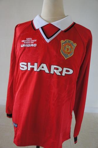 competitive price fe0d7 f1c53 Retro Soccer Shirts on Twitter: