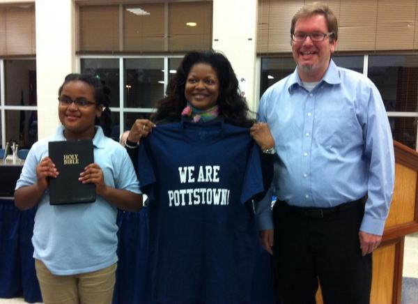 Katina Bearden is the newest member of the Pottstown School Board. @MercuryX http://t.co/UlQvFKEP87