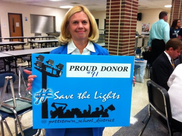 A $25 contribution to the Save the Lights campaign gets you this nifty yard sign. @MercuryX http://t.co/CsLCfL8hQ4