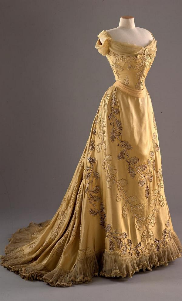 Fashion Museum Bath on Twitter   Friday Treat Time  Lady Curzon s yellow  silk evening dress with oak leaf design by Jean Philippe Worth  ca Fashion Museum Bath on Twitter   Friday Treat Time  Lady Curzon s  . Bath Fashion Museum Gift Shop. Home Design Ideas