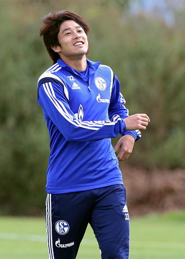 #s04 - Atsuto #Uchida soll am Samstag (13 Uhr) in der U23 spielen. @rot_weiss_essen kommt in die Mondpalast-Arena. http://t.co/Ht0k5OAa6N