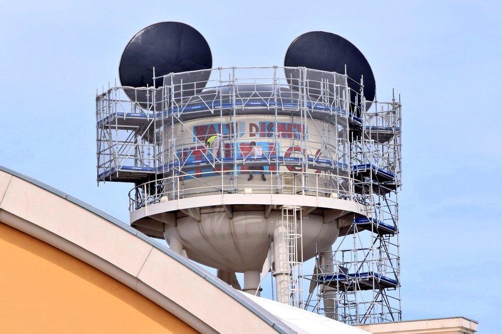 Nouveau logo du Château d'Eaureilles [Parc Walt Disney Studios] - Page 8 Bx5qSWrCcAEViOJ