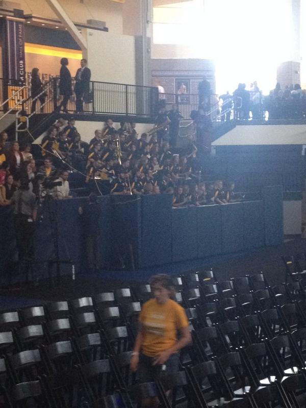 The pep band is now in the building @MarquetteBands #loweclass #MUPrez http://t.co/Js3uKygy9O
