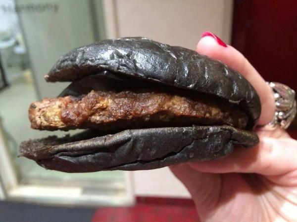 Kallisti On Twitter And Heres A Close Up Shot Of My Friends - Black hamburger