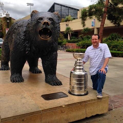 AEG President & CEO Dan Beckerman kicks off his day with the Stanley Cup at his alma mater @UCLA! @UCLAAthletics http://t.co/Gqjrx0OB1M