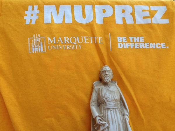 Wear your gold #muprez shirt for @PresLovell's inauguration. Just 2 hours away from showtime. http://t.co/0KBnlXZxbB