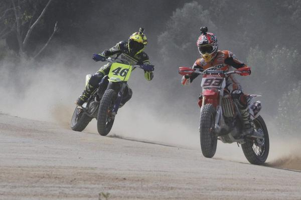 Video Rossi dan Marquez di MotoRanch VR46