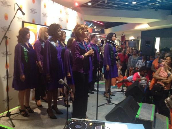 Military spouses choir rocks! Jaw dropping performance #lifeyouwantDC http://t.co/37rEzbzYBC