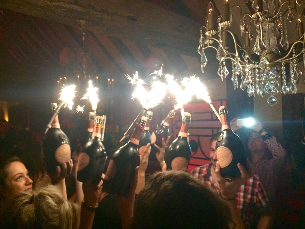 Not even midnight yet & @micky_norcross & friends are setting gallery alight #tablebehaviour #itsjustwhatwedo http://t.co/r2bFvXrYH4