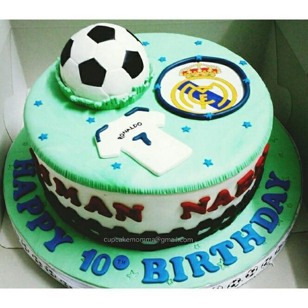 Swell Cupcake Momma On Twitter Birthday Cake A Boy Whos A Fan Of Real Funny Birthday Cards Online Elaedamsfinfo
