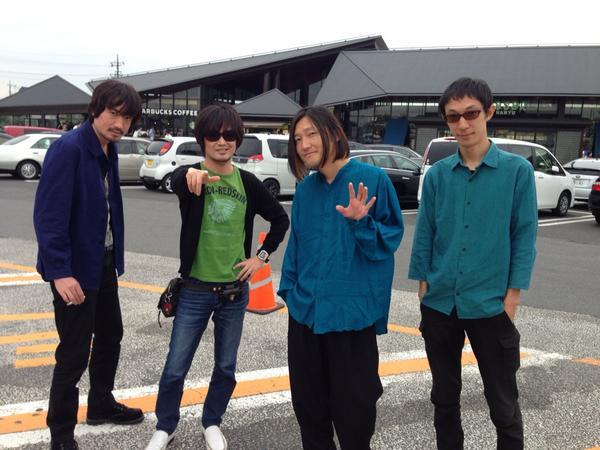 さわおさんと、仙台へ向かっております。GLAYを観に。 http://t.co/hQWQV9nH7P