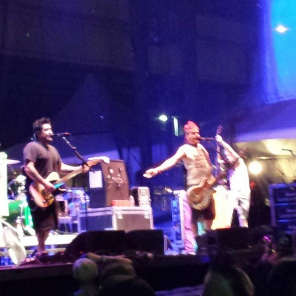 NOFX playing 'Punk in Drublic' in its entirety. http://t.co/YLx12Cgjva