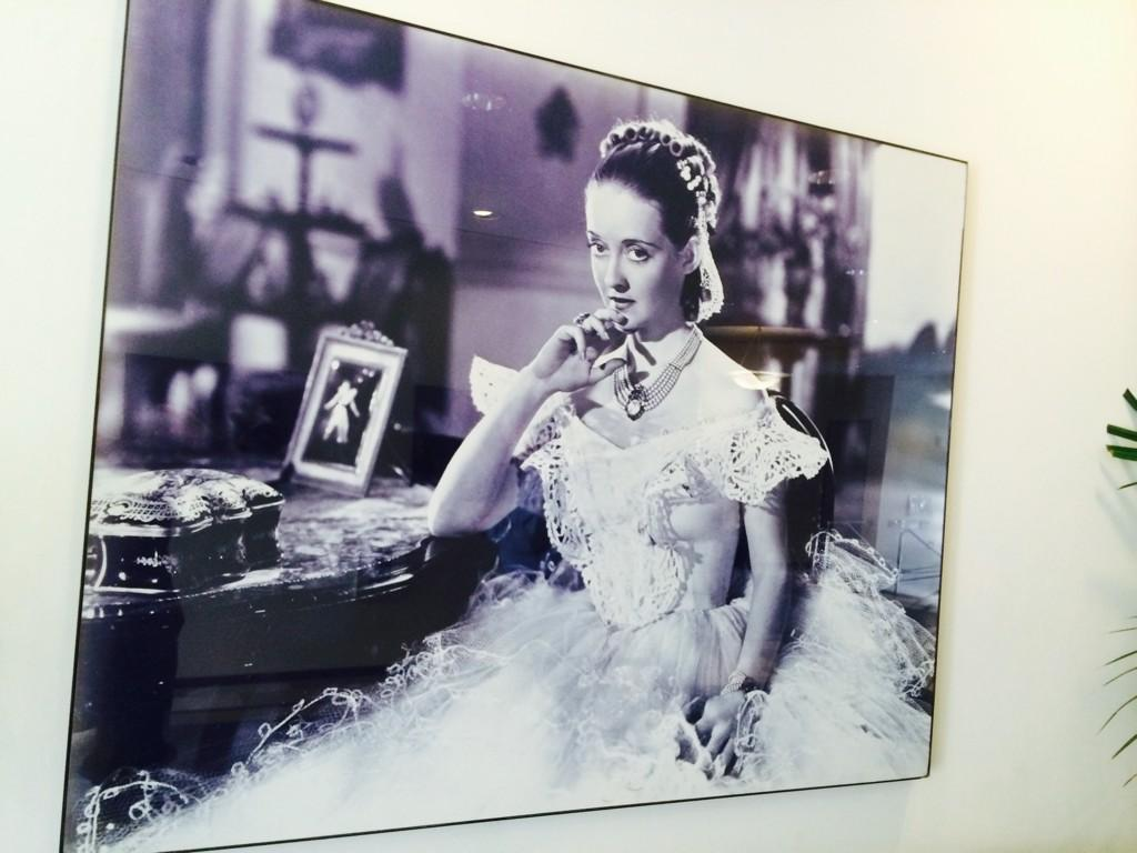 From lobby of the post prod bld @wbpictures  I directed Ms Davis in 1980 - a defining experience for me at 26 http://t.co/oFfRmBOsUp