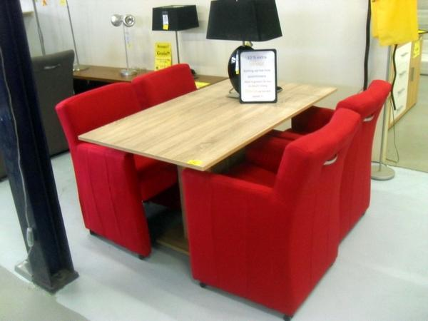 Eetkamerstoelen Design Outlet.Meubeldroom Outlet On Twitter Rode Eetkamerstoelen Met