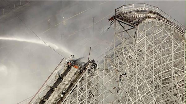 "holy crap ""@jenniferthang: Portion of #Colossus just collapsed. @SixFlags @Sky5Tim live overhead. http://t.co/zAap4hyuKU"""