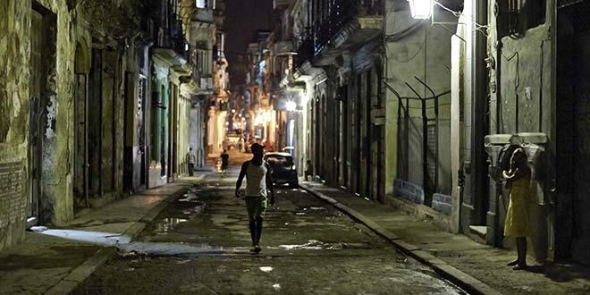 La Cuba 'cruda' de Yusnaby BxD2AzcIUAAjEU2