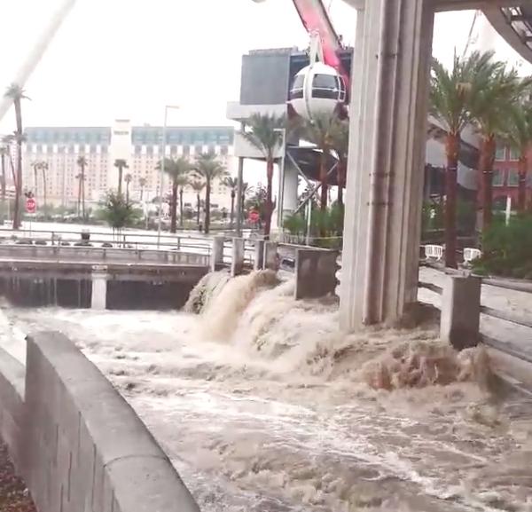 Flood las vegas strip