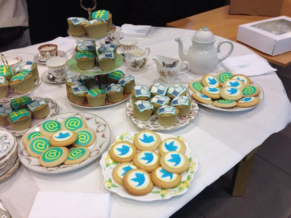 Getting ready for tea @EE #techyteaparty http://t.co/pl9kekIBIY