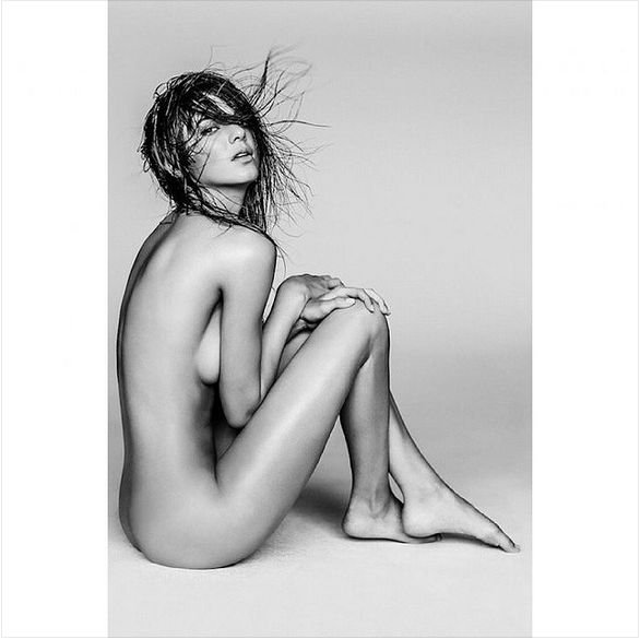 Kendall Jenner Poses Nude for Russell James's 'Angels' (Twitter, @eonline)