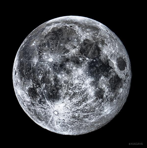 今撮影した十六夜(いざよい)の満月です。次の満月(10/8)には皆既月食が起こり、月が地球の影に入って欠けていく様子を日本全国で見ることができます。楽しみですね。 pic.twitter.com/NxGKfyjzHZ