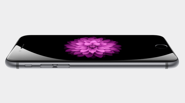 Apple: No distinct edges. The cover glass curves around the sides to meet the anodized aluminum enclosure. #iPhone6 http://t.co/ITwJROwV2Y