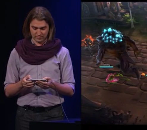 This scarf is the new face of phone gaming #applelive http://t.co/MzCBHk76P8