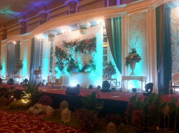 Frm organizer malang on twitter wedding decoration grand royal frm organizer malang on twitter wedding decoration grand royal ballroom malang httpttckbgl1e50 junglespirit Images