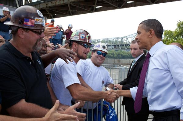 Find out how President Obama's building public-private partnerships to #RebuildAmerica: http://t.co/sQ2GJCuVs0 http://t.co/6VV4YQ97PL