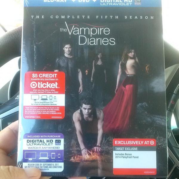 Just picked up..nothing like Stefan, Silas & Tom Avery to watch! Bonus ~ @paulwesley directing = Happy Fan! http://t.co/M03wLDALGz