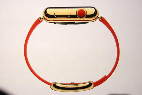 Three Apple Watch collections - standard, Sport and 18K gold Apple Watch Edition. Liveblog: http://t.co/WomVQAXkob http://t.co/83aLsCxWg6