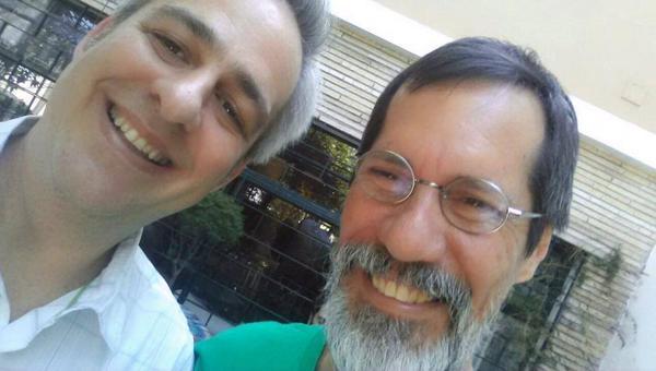 Selfie com amigo @EduardoJorge43. Conversamos hoje sobre políticas de Educação para Sustentabilidade! #Alexandre55055 http://t.co/Hj7WcANKth