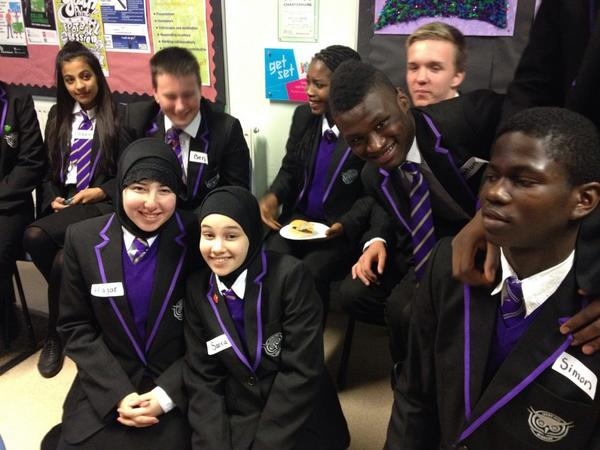 Students at Leeds City Academy discuss what loss of Scotland to UK might mean to them @bbcworldservice #bbcnewsday http://t.co/rD5Chdy5HP