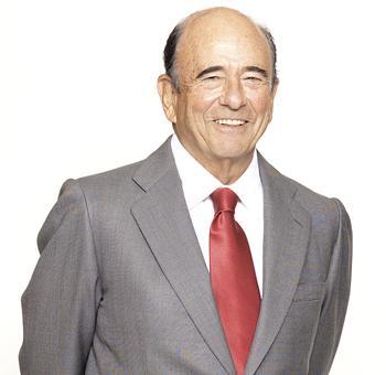 Santander lamenta comunicar el fallecimiento de su presidente, Emilio Botín http://t.co/5P96OPR2r7 http://t.co/78IzBQWpGi