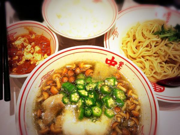 新宿限定!とろろっと塩つけじゃ健!と、定食麻婆辛さ2倍♪(/ω\*)ご飯につけて食べるのがまた絶品なのねーーー!!(*^▽^)/★*☆♪ #蒙古タンメン中本