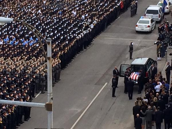 Officer Pierson's coffin is removed from hearse by #rpd honor guard #rip1846 @roc @dandc http://t.co/X45jkZ8ByQ