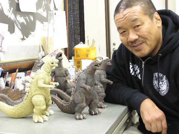 ※現在、孤独のグルメに出演されている藤原喜明さんは怪獣好きでも有名な方で、自分でゴジラなどの陶芸作品を制作して発表されています。