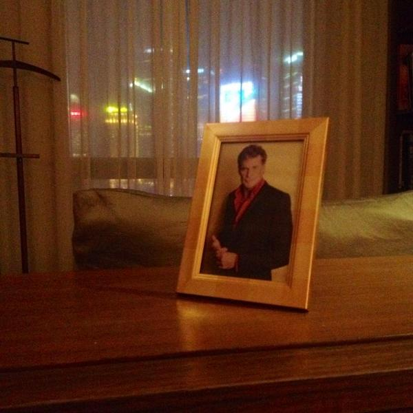 I requested a framed photo of David Hasselhoff when I booked my hotel in Shanghai. As a joke. They delivered. http://t.co/Q7ZptsqXBA